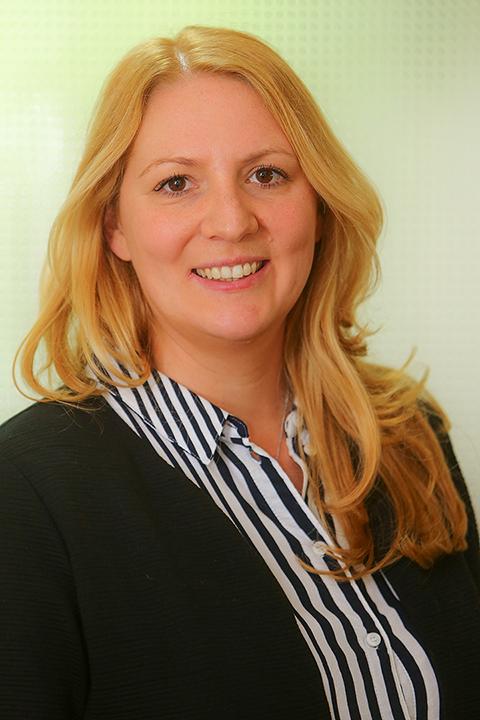 Julia Zwick adlaborem Sozialdienst
